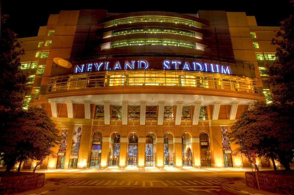 University of Tennessee – Neyland Stadium